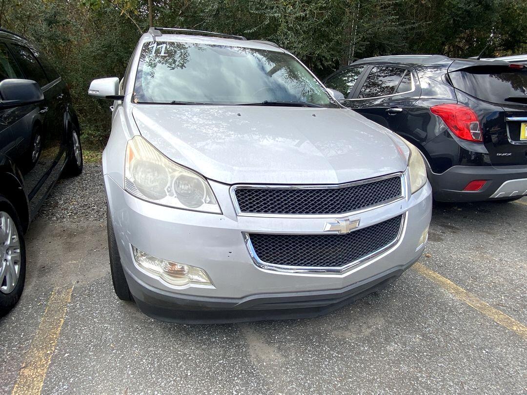 Chevrolet Traverse 1LT 2011
