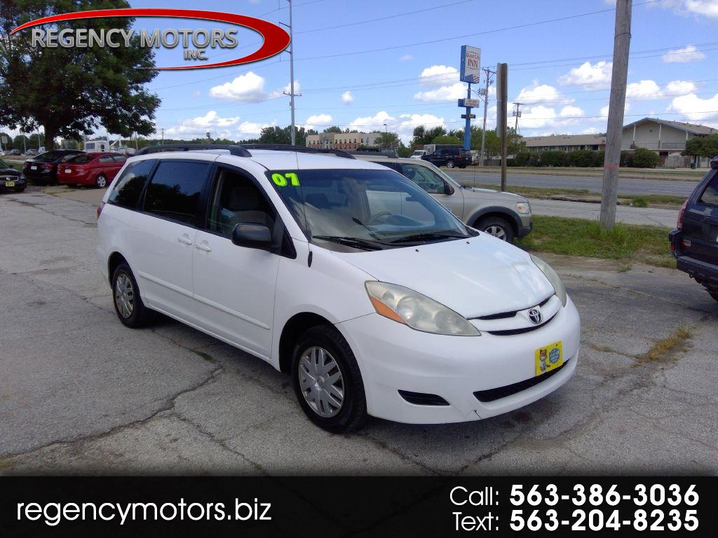 Toyota Sienna LE FWD 7-Passenger Seating 2007