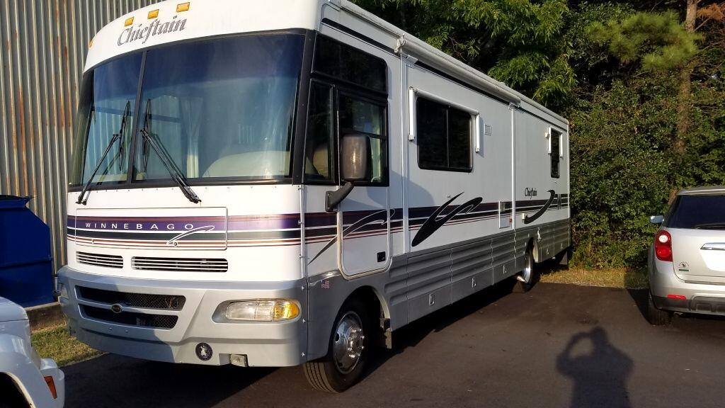 """Ford Super Duty F-550 Motorhome Stripped Chassis 178"""" WB DRW 1999"""