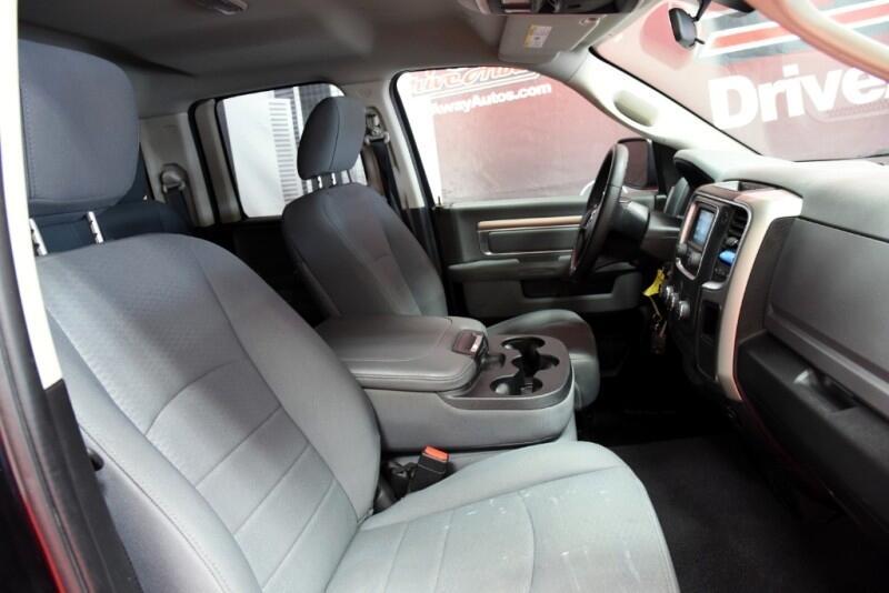 RAM 1500 SLT Quad Cab 2WD 2017