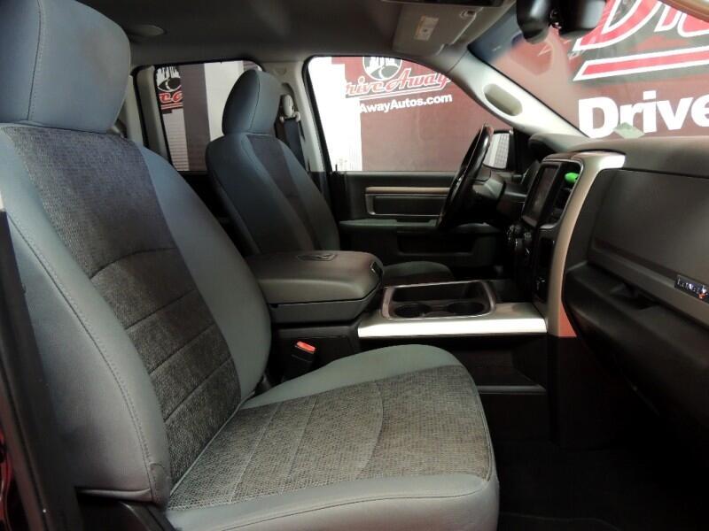 RAM 1500 SLT Quad Cab 2WD 2016