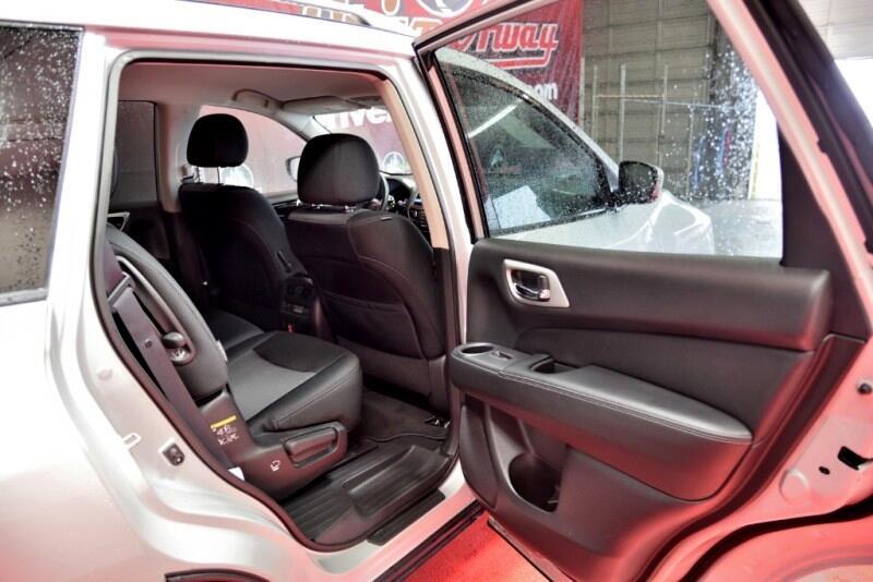 Nissan Pathfinder SL 2WD 2018