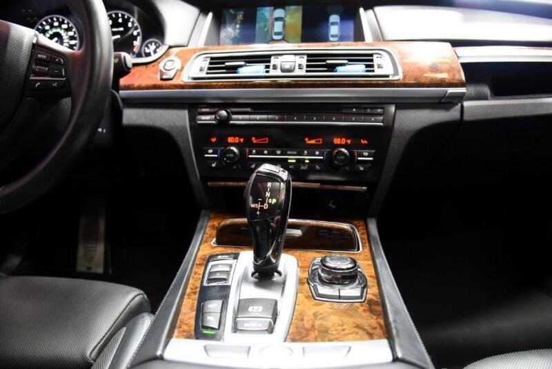 BMW 7-Series 750Li Sedan 2013