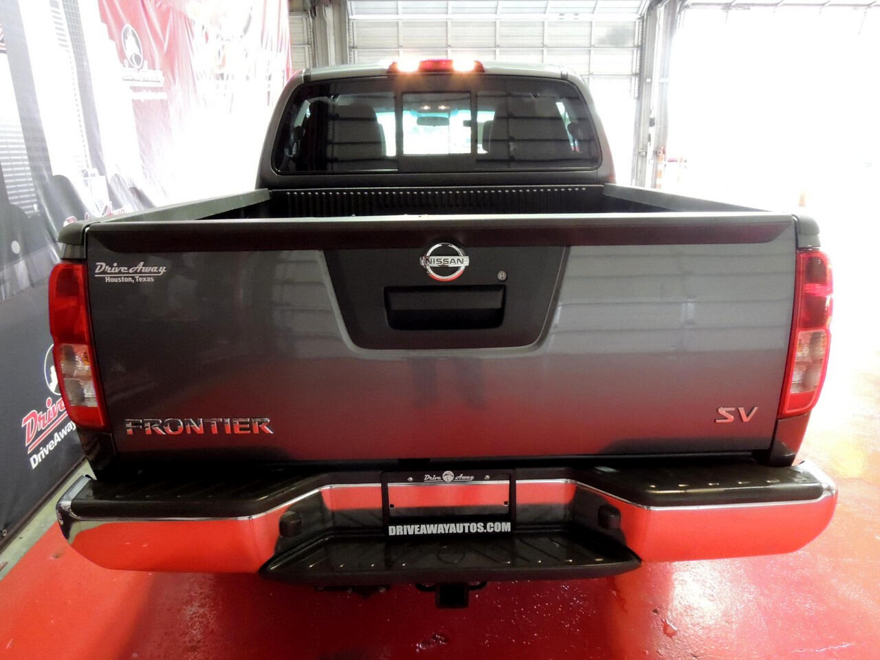 Nissan Frontier S Crew Cab 5AT 2WD 2017