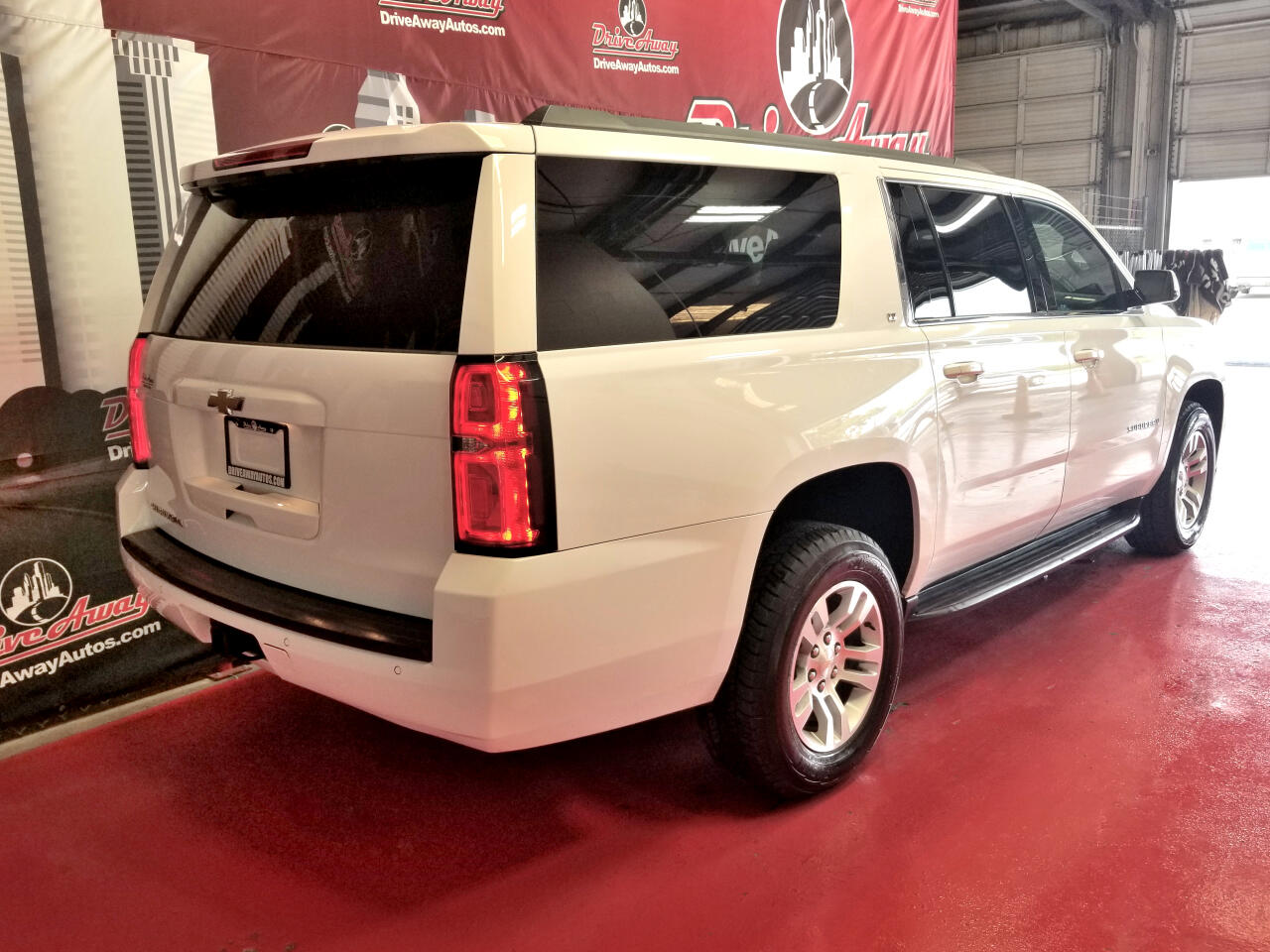 Chevrolet Suburban LT 2WD 2018
