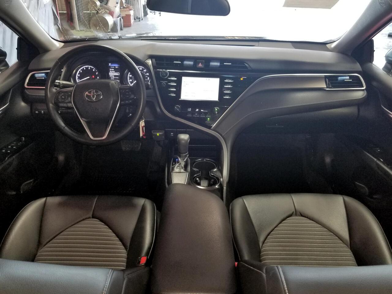 Toyota Camry XLE Auto (Natl) 2018