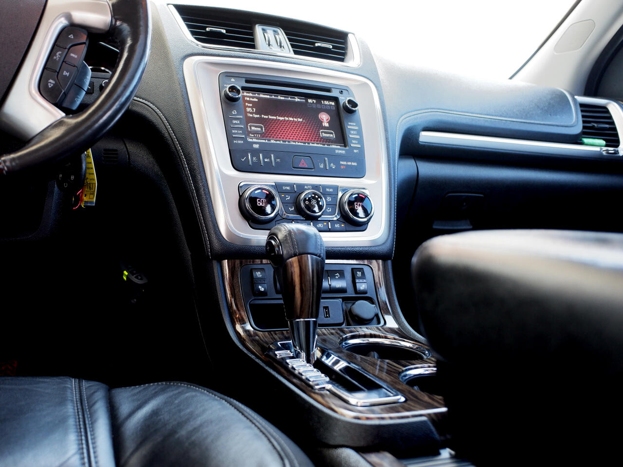 GMC Acadia AWD 4dr Denali 2015
