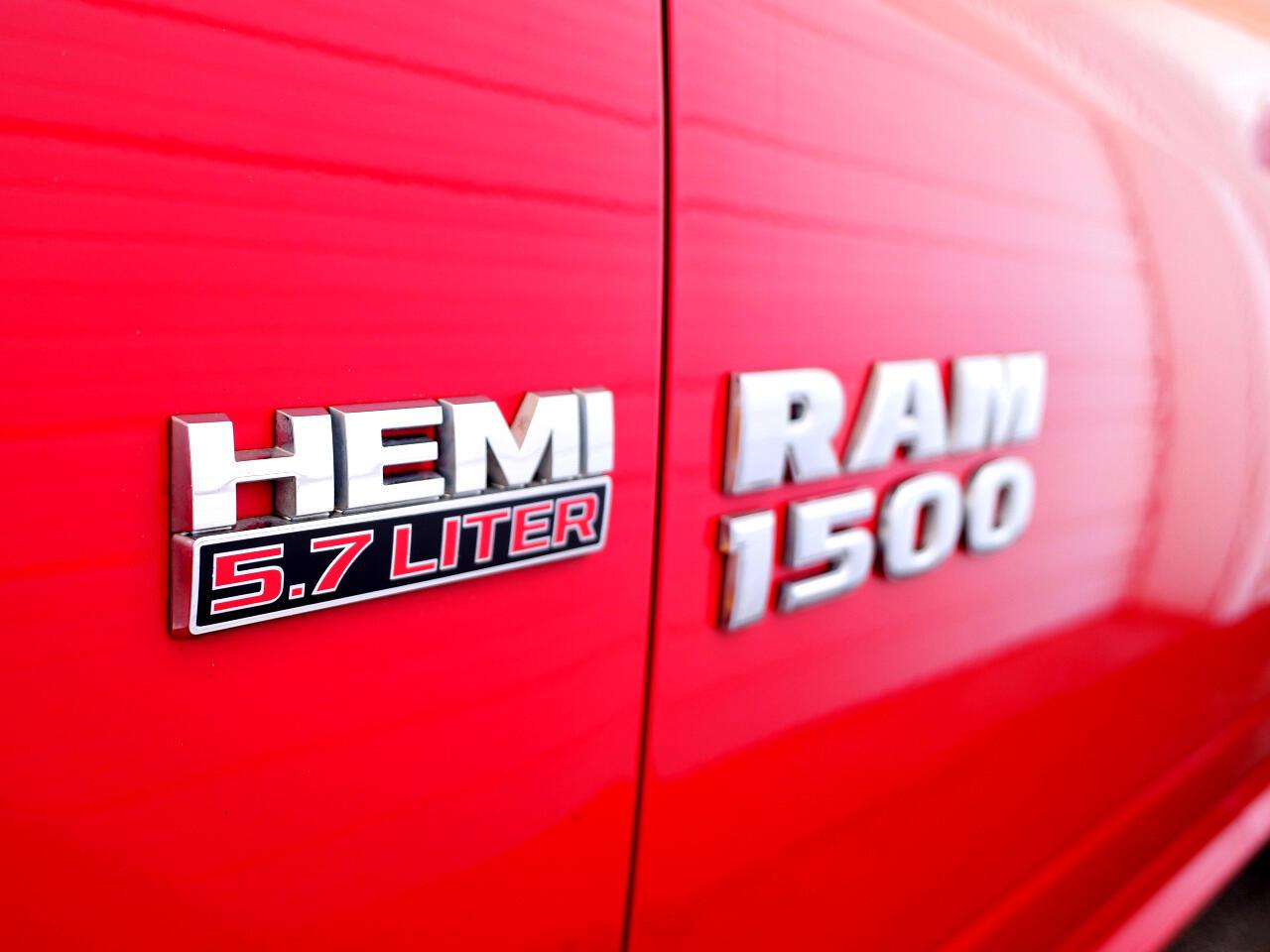 """RAM 1500 SLT 4x2 Quad Cab 6'4"""" Box 2018"""