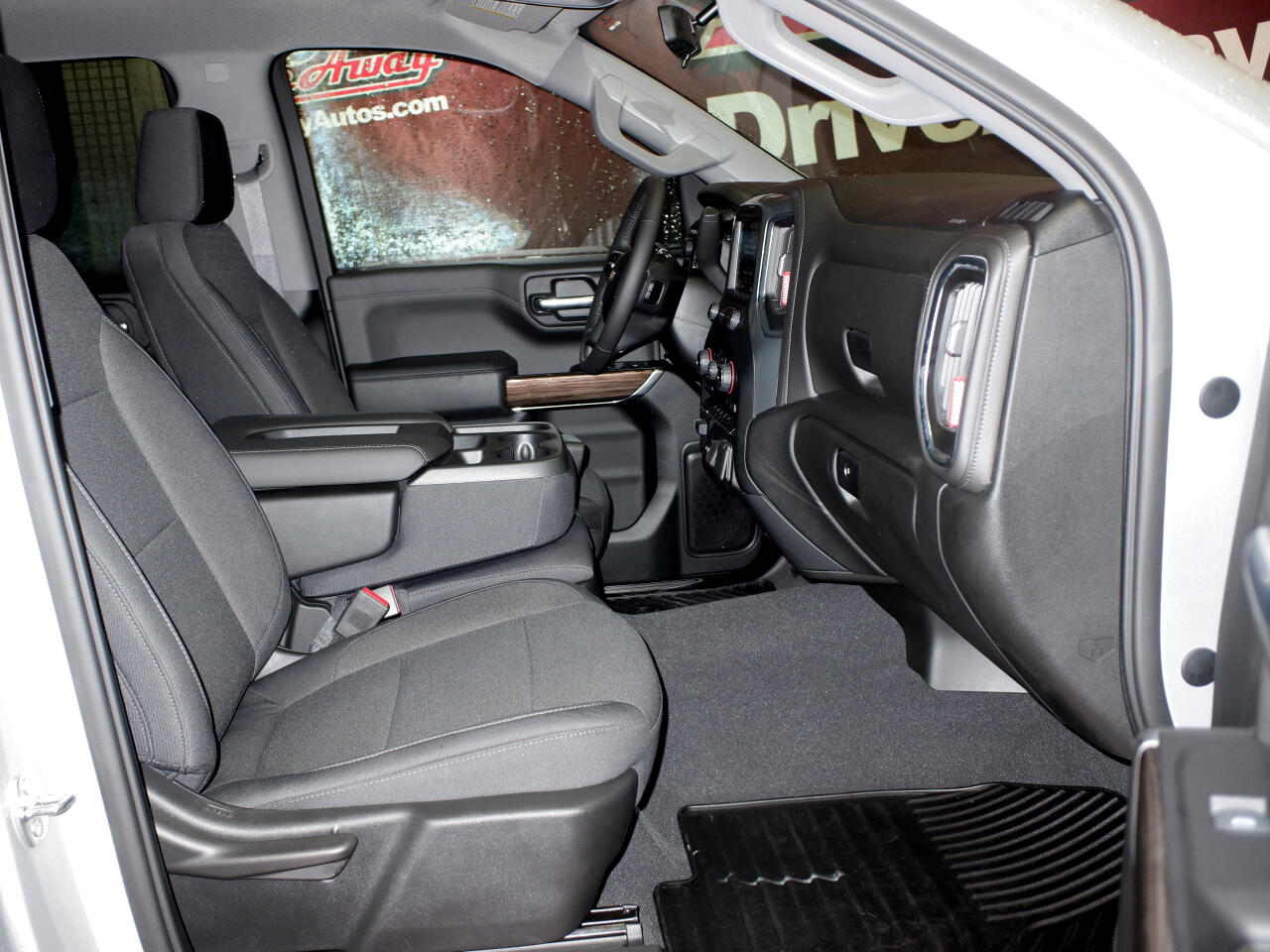 """Chevrolet Silverado 1500 2WD Crew Cab 147"""" LT 2019"""