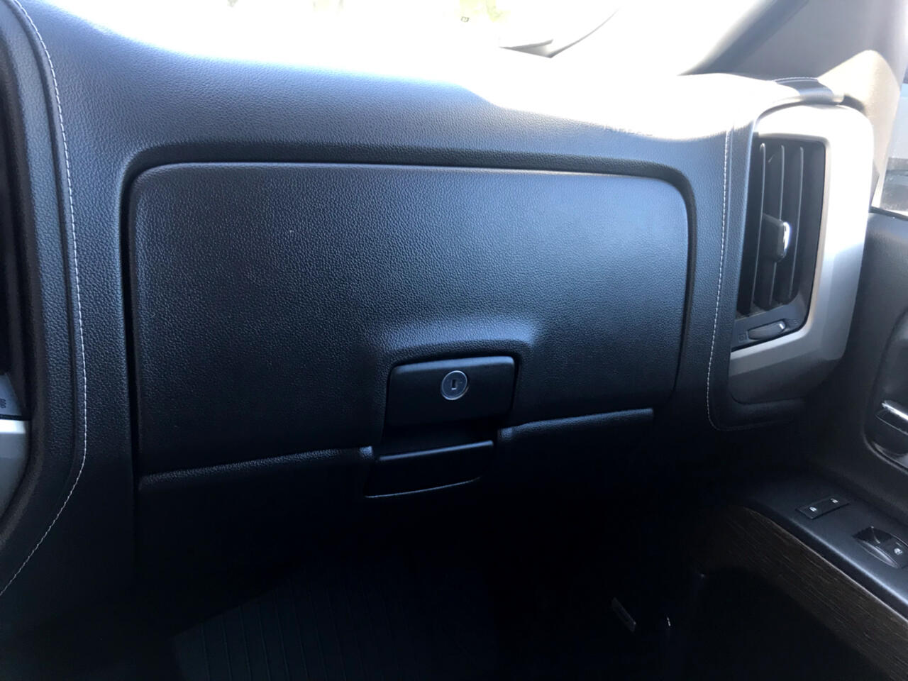 GMC Sierra 2500HD Denali Crew Cab 4WD 2017