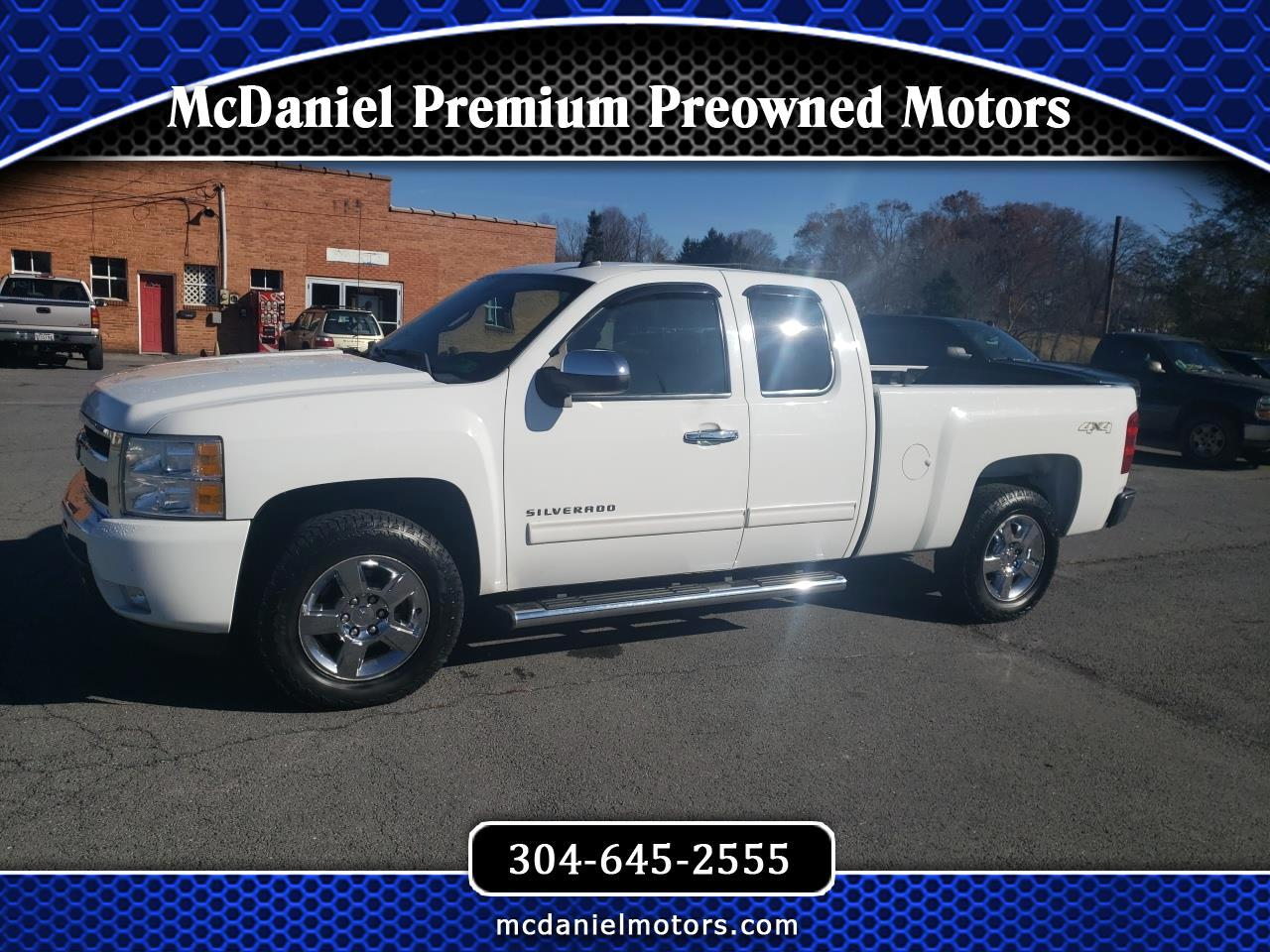 Chevrolet Silverado 1500 LT Ext. Cab 4-Door Short Bed 4WD 2011