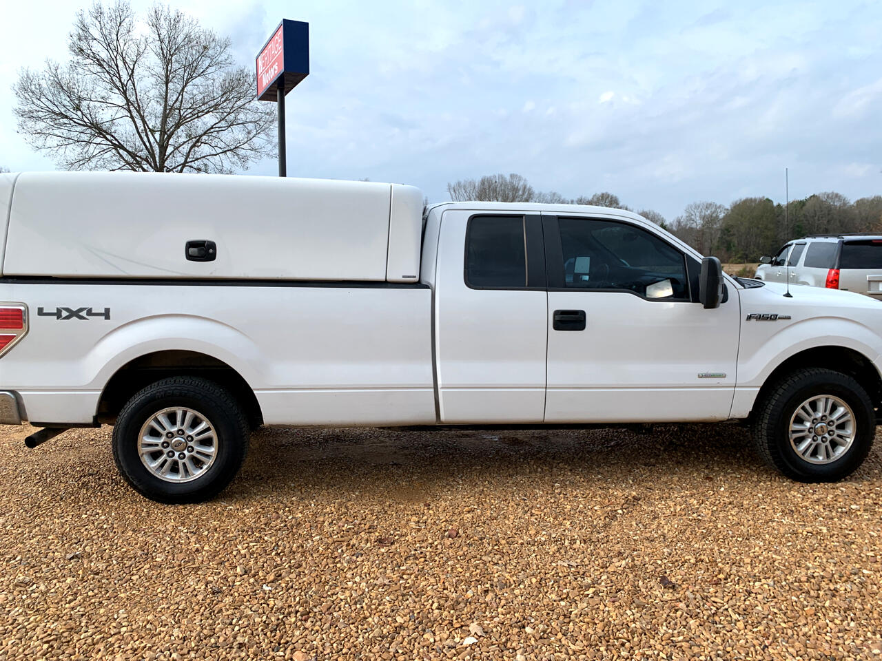 """Ford F-150 4WD SuperCab 163"""" XLT w/HD Payload Pkg 2014"""