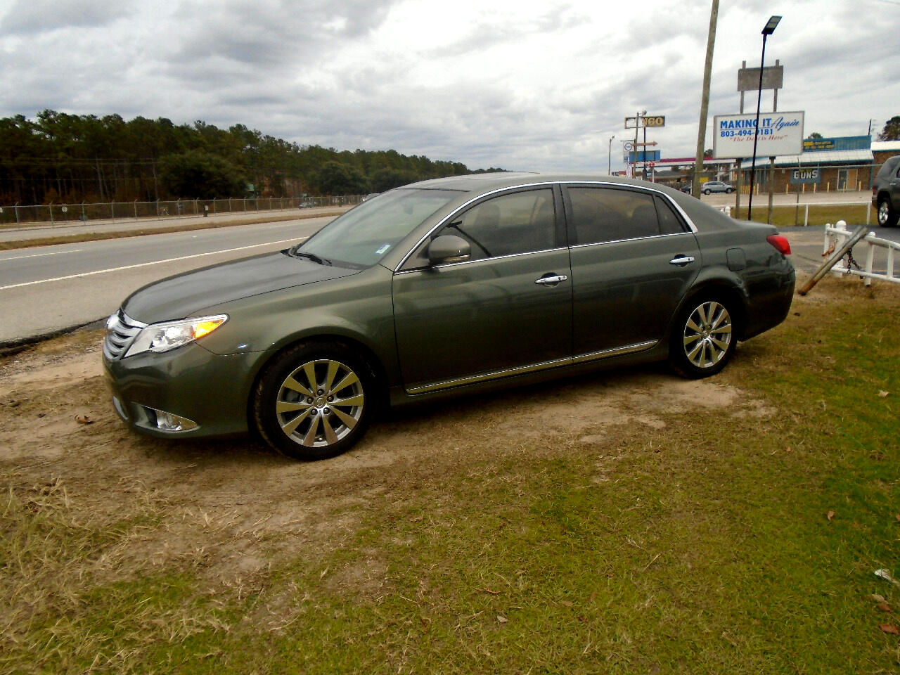 Toyota Avalon Base 2011
