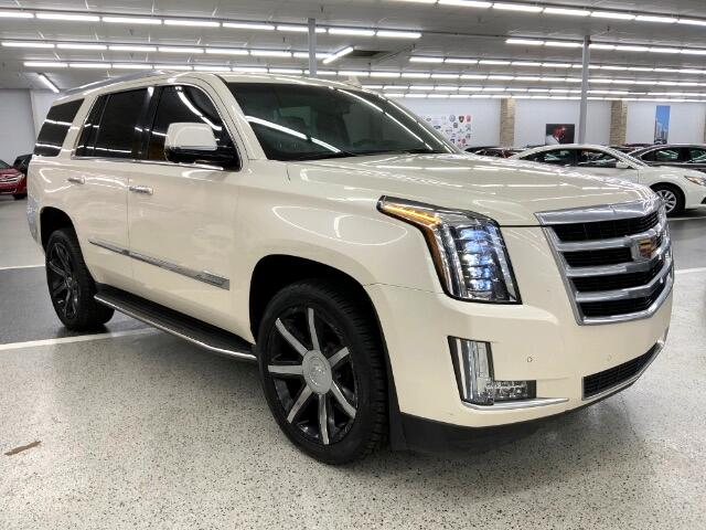 Cadillac Escalade Luxury 4WD 2015