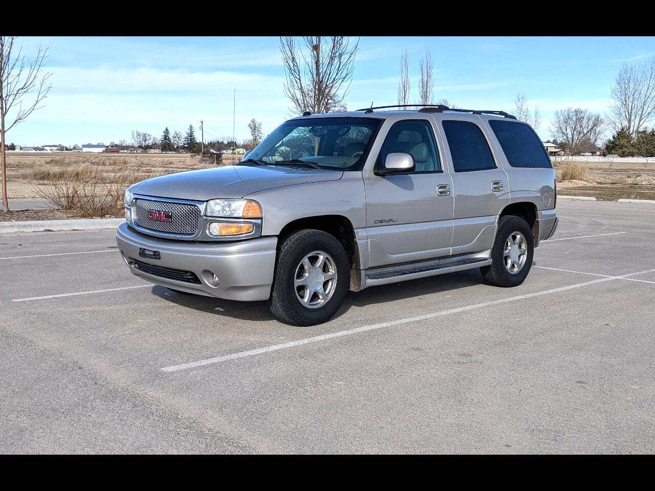 GMC Yukon Denali Base 2004