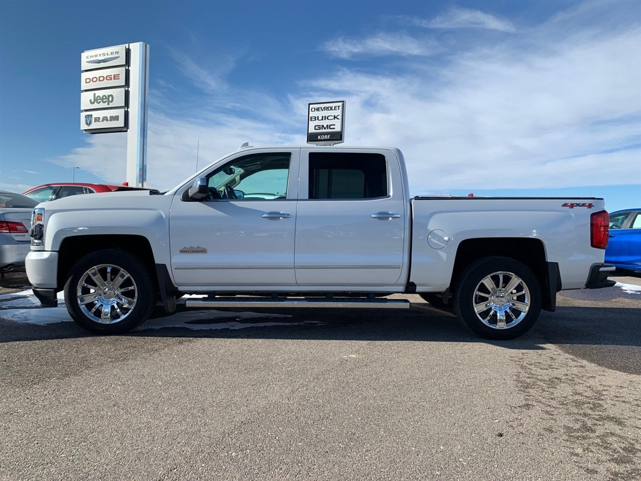 Chevrolet Silverado 1500 High Country Crew Cab Long Box 4WD 2017