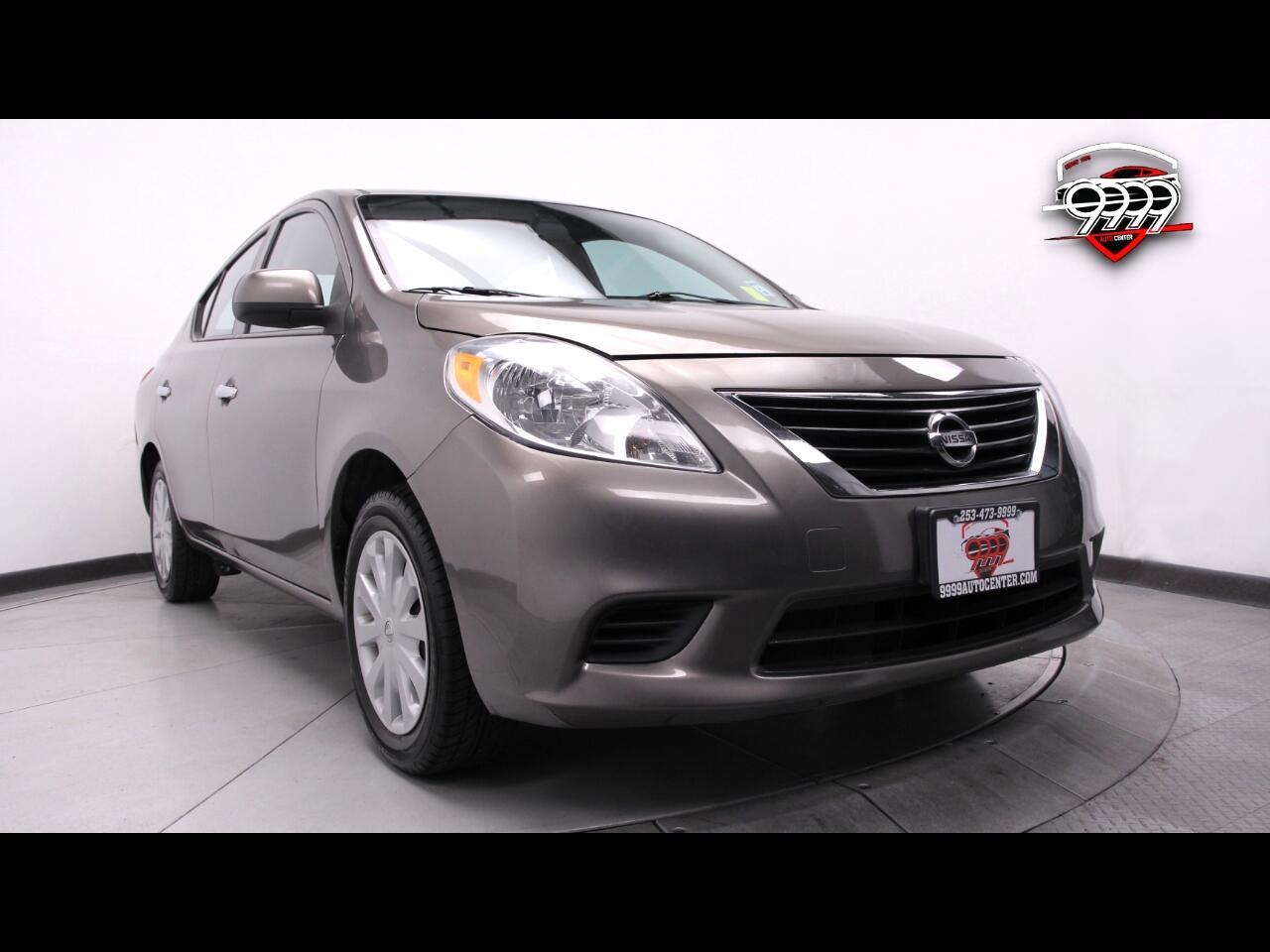 Nissan Versa 1.6 S 5M 2014