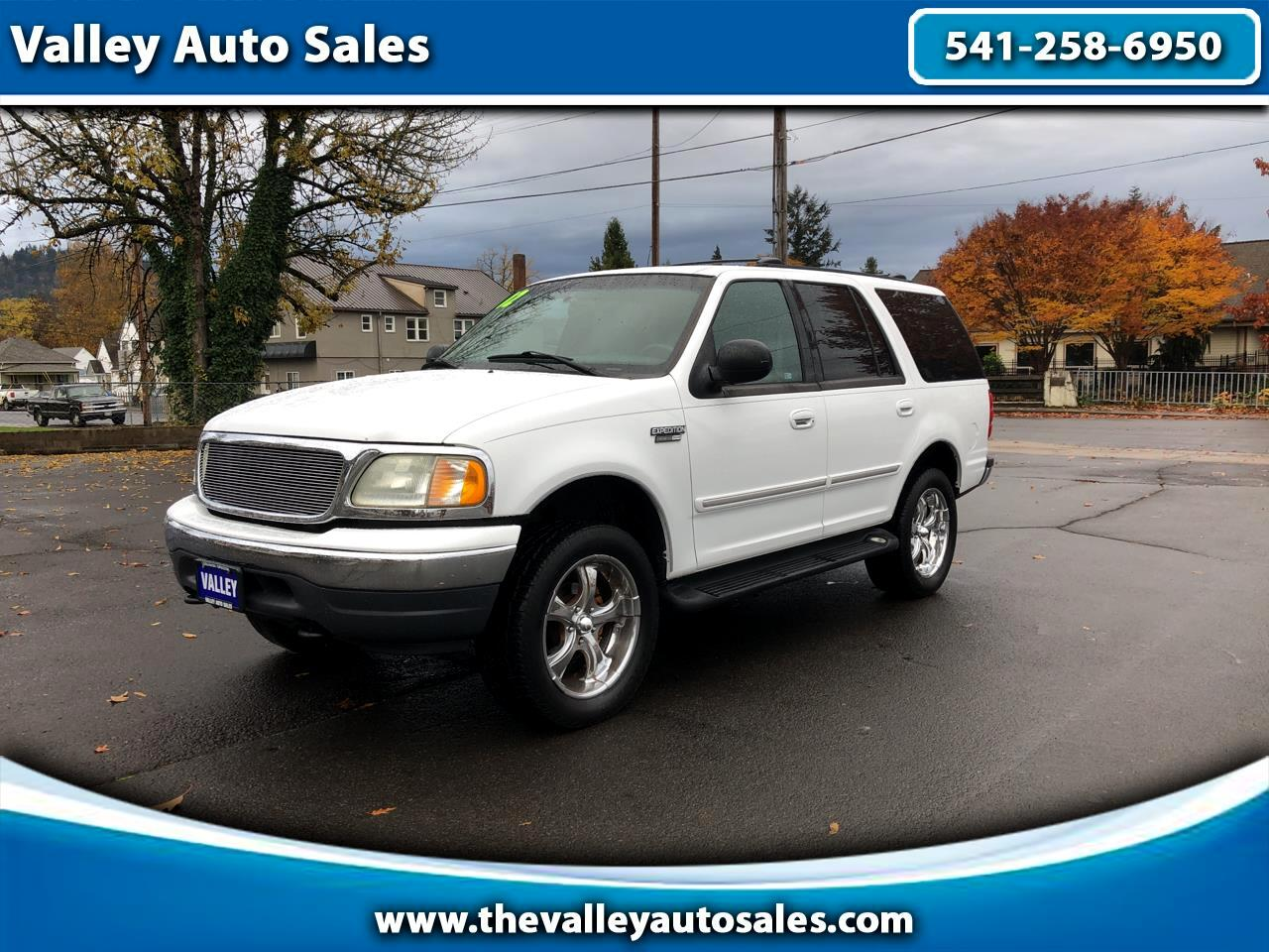 "Ford Expedition 119"" WB XLT 4WD 2002"