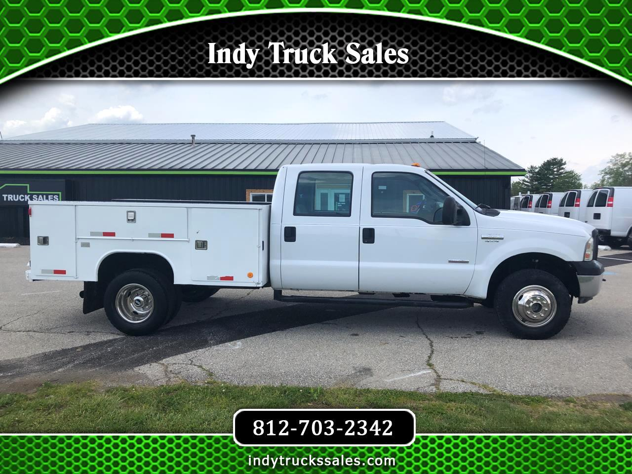 "Ford Super Duty F-350 DRW Crew Cab 176"" WB 60"" CA XL 4WD 2006"