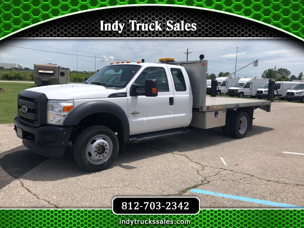 "Ford Super Duty F-550 DRW 4WD SuperCab 186"" WB 84"" CA XL 2016"