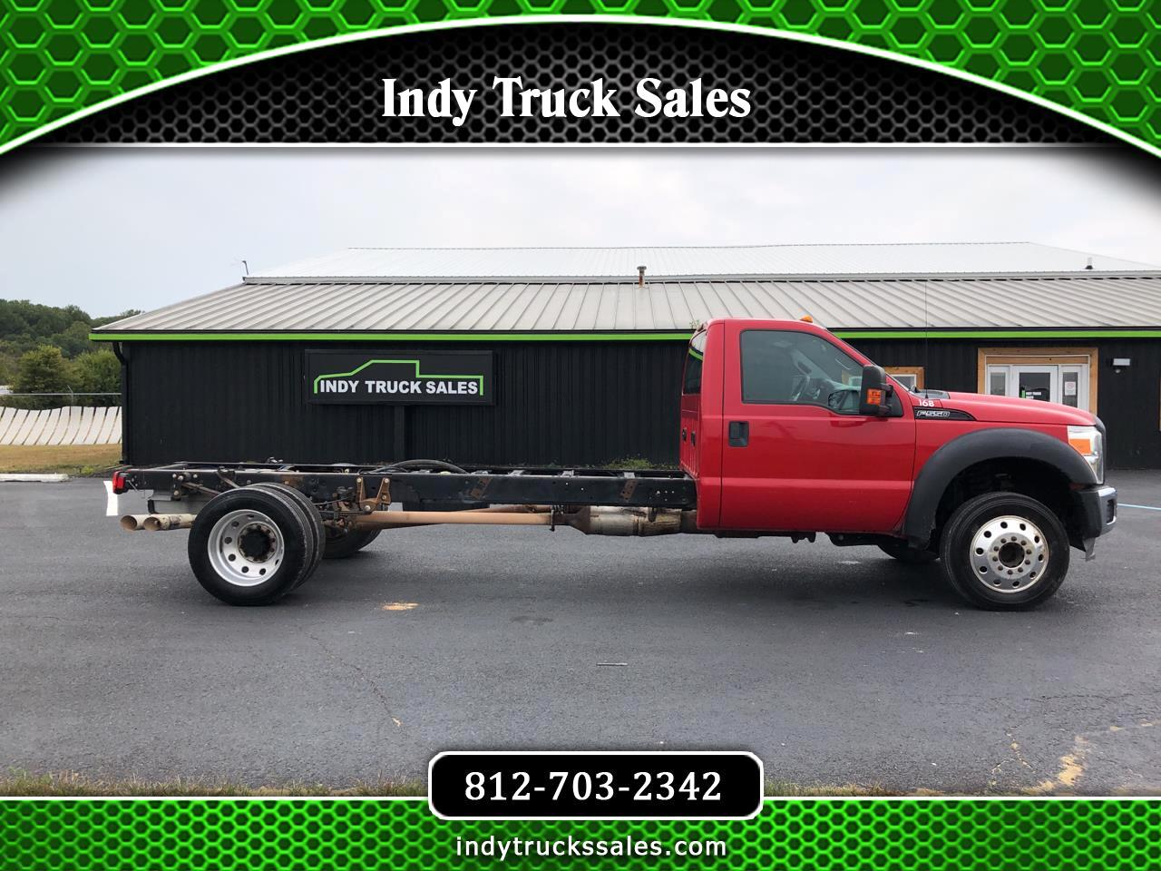 "Ford Super Duty F-550 DRW 2WD Reg Cab 201"" WB 120"" CA XL 2013"