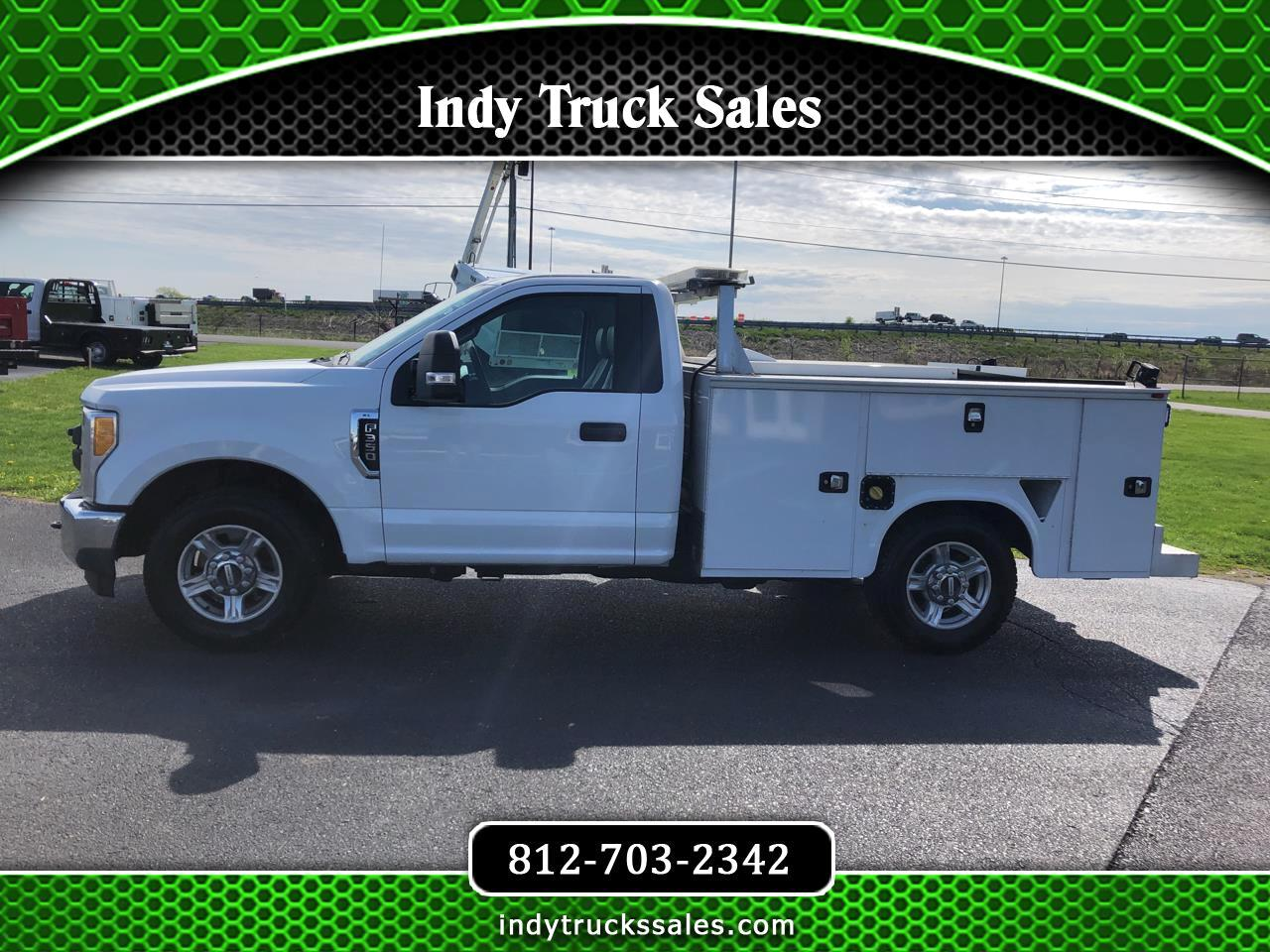 Ford Super Duty F-350 SRW XLT 2WD Reg Cab 8' Box 2017