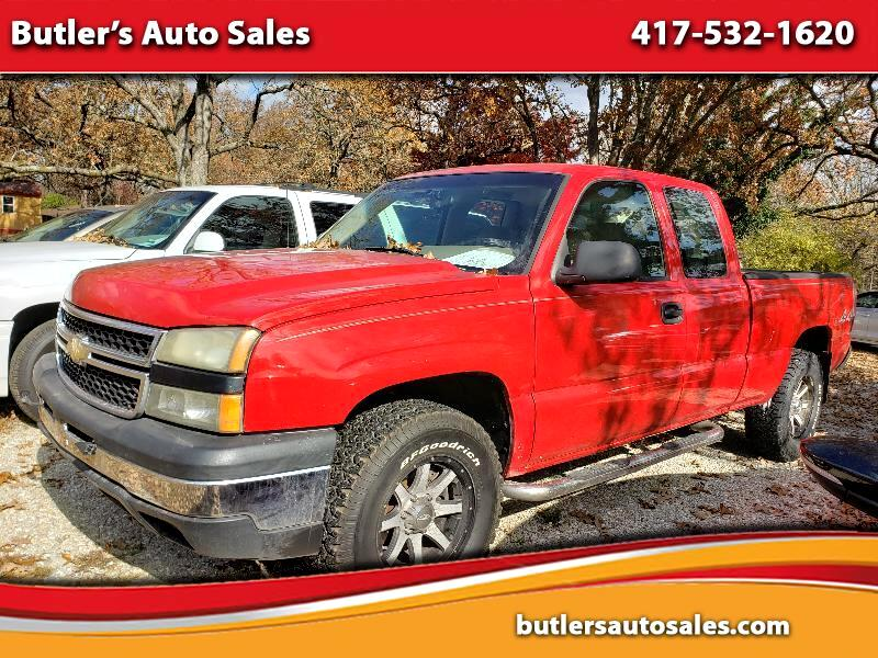 Chevrolet Silverado Classic 1500 Work Truck Ext. Cab Long Box 4WD 2007