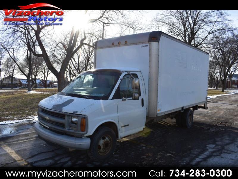 "Chevrolet Express Commercial Cutaway 177"" WB C7L DRW 2001"