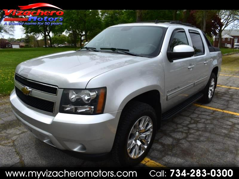 2011 Chevrolet Avalanche 4WD Crew Cab LS