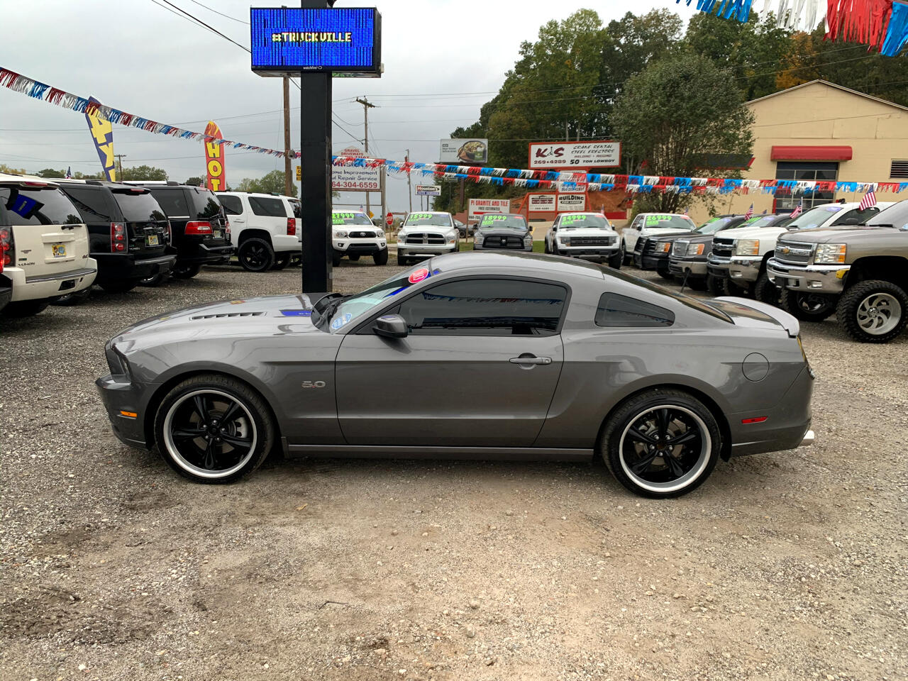 Ford Mustang GT Premium Coupe 2013