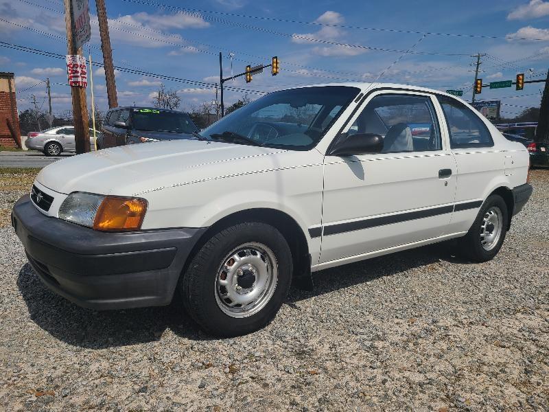 Toyota Tercel 2-Door sedan 1996