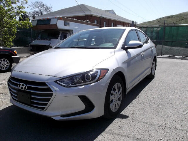 Hyundai Elantra SE 6AT 2017