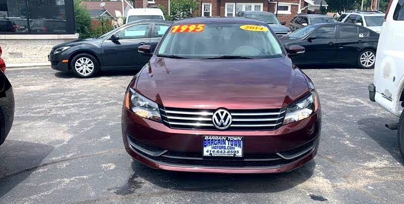 Volkswagen Passat 2.5L S W/Appearance 2014
