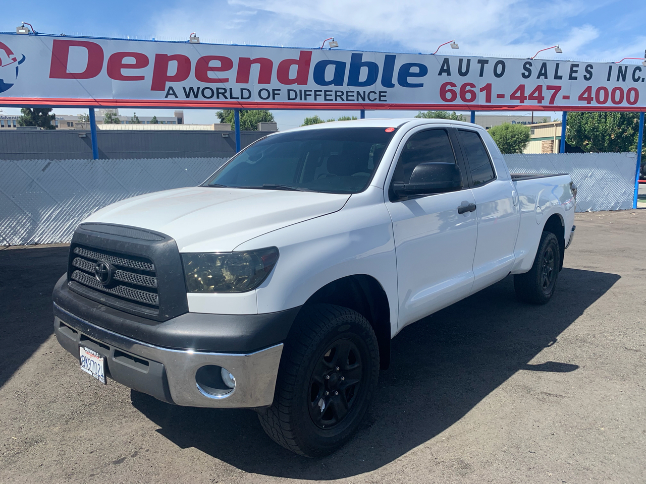 Toyota Tundra 4WD Truck Dbl 5.7L V8 6-Spd AT (Natl) 2008