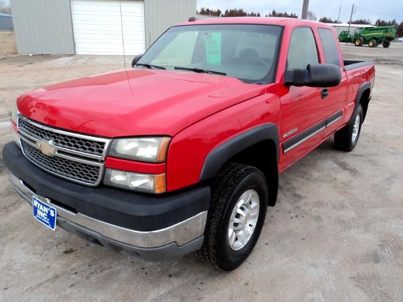 Chevrolet Silverado 2500HD Ext. Cab Long Bed 4WD 2005