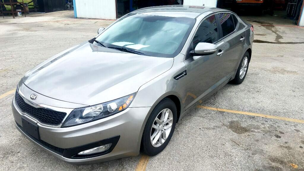 Kia Optima LX MT 2013