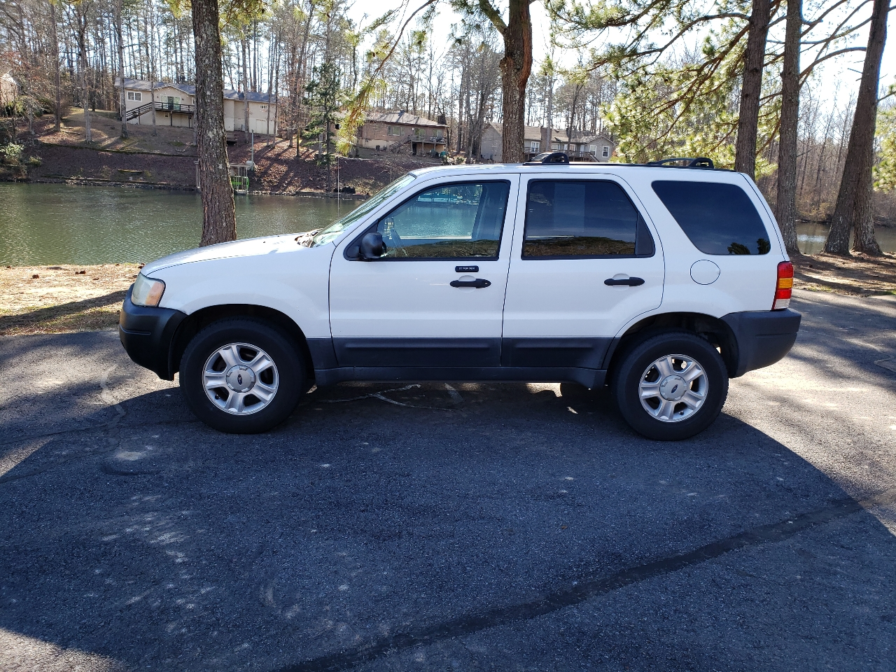 "Ford Escape 4dr 103"" WB XLT 4WD 2004"
