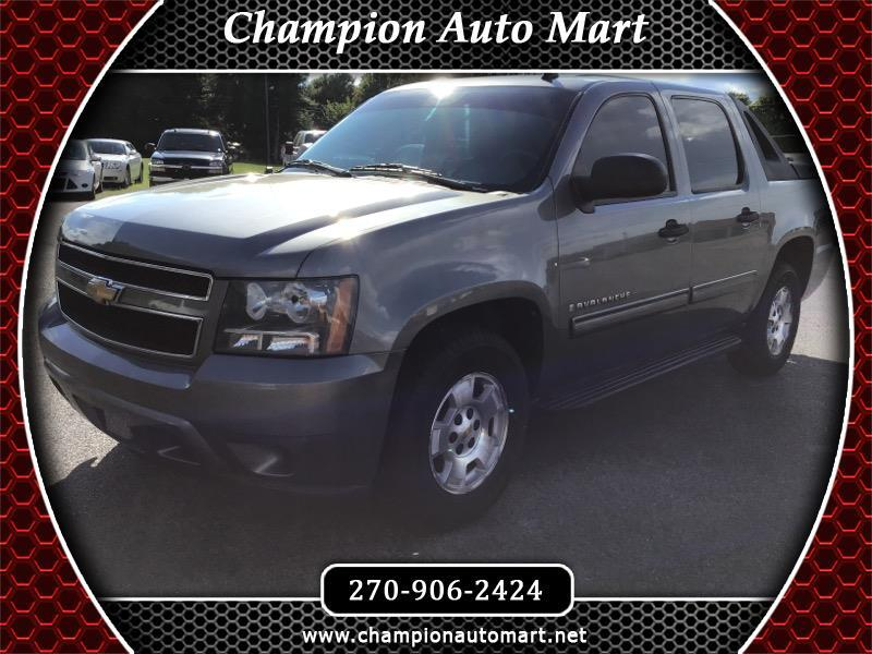 Chevrolet Avalanche LS 4WD 2009
