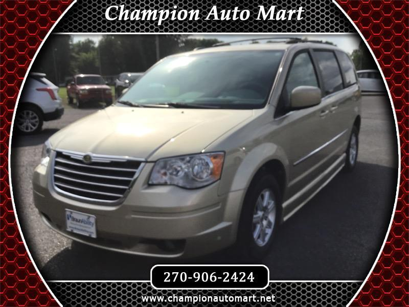 Chrysler Town & Country Touring L 2010