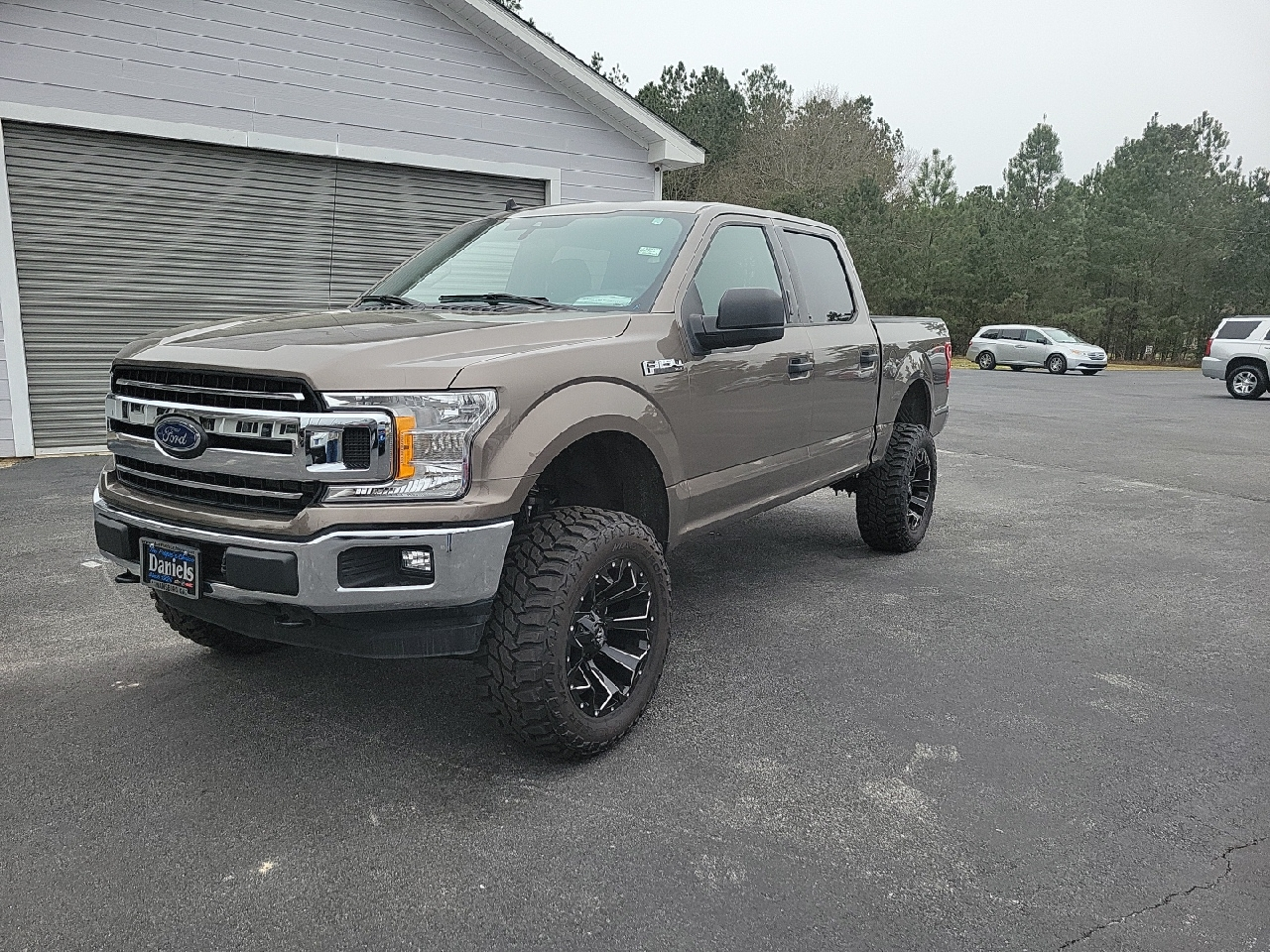 "Ford F-150 4WD SuperCrew 145"" XLT 2020"