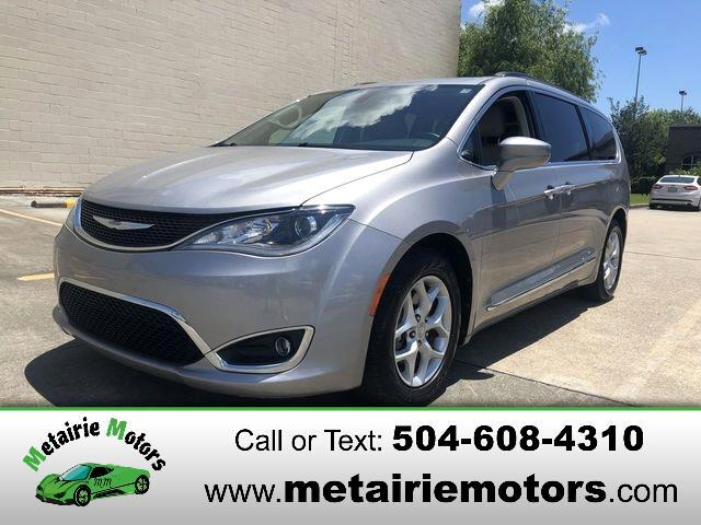 Chrysler Pacifica Touring-L FWD 2017