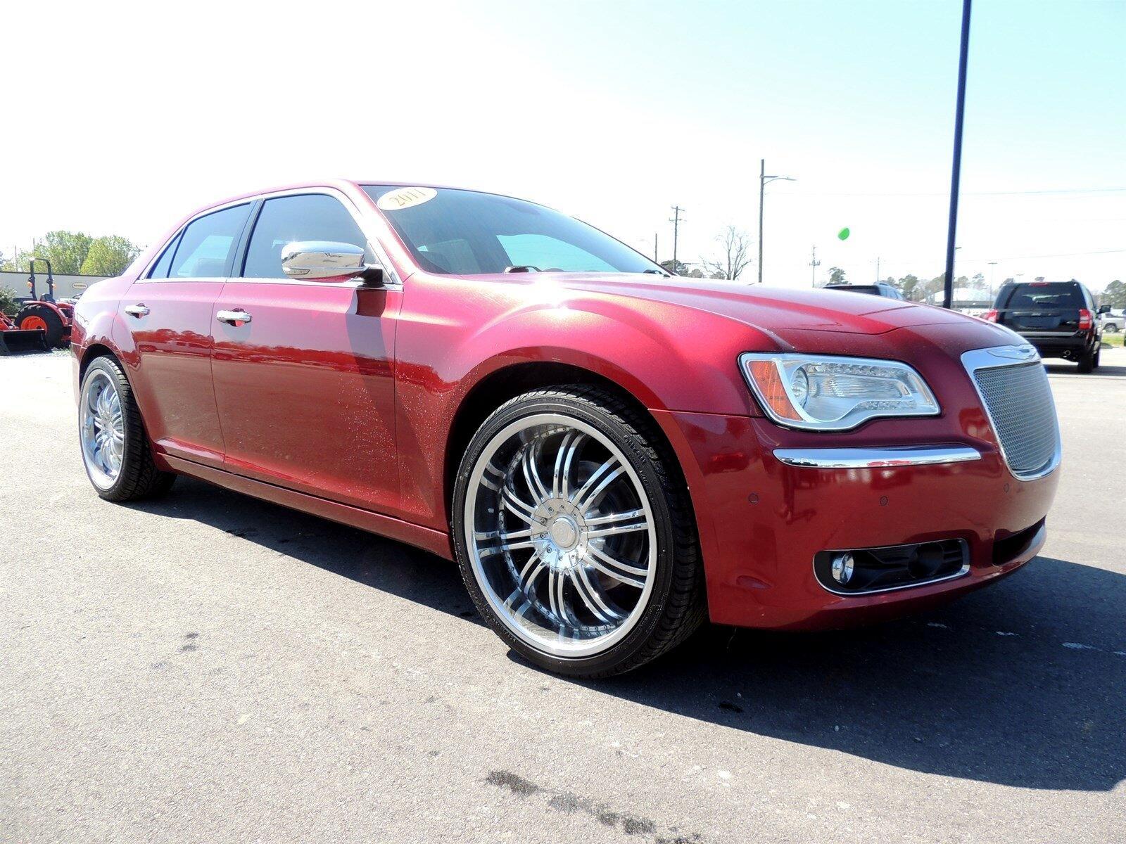 Chrysler 300 4dr Sdn 300C RWD 2011