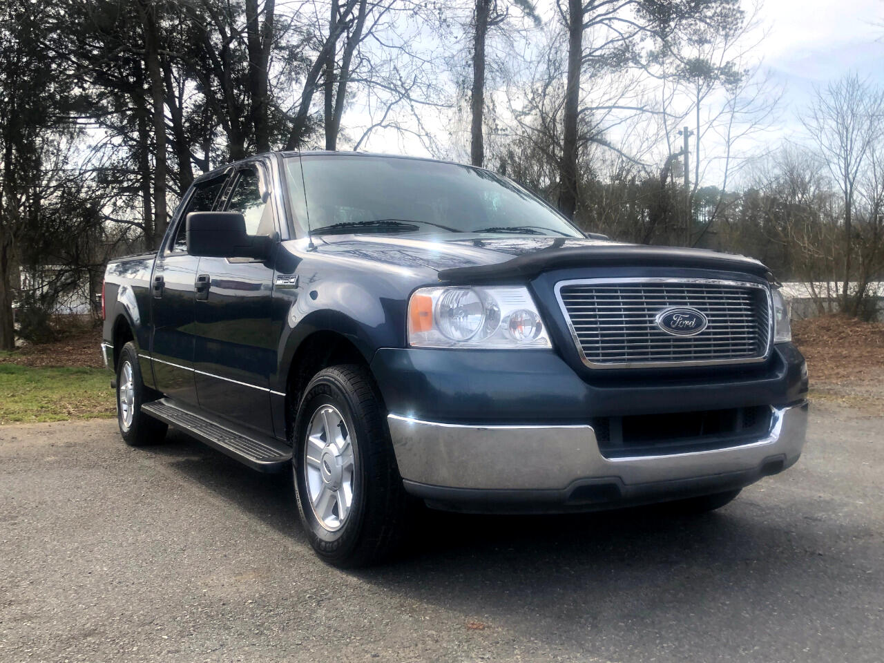 "Ford F-150 SuperCrew 139"" XLT 2004"