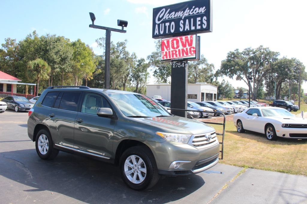 Toyota Highlander FWD 4dr I4 Plus (Natl) 2013