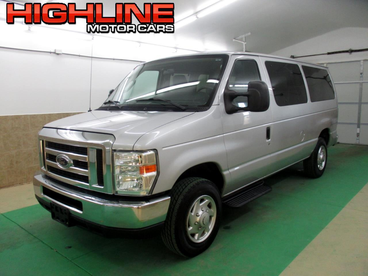2012 Ford Econoline Wagon E-350 Super Duty XLT