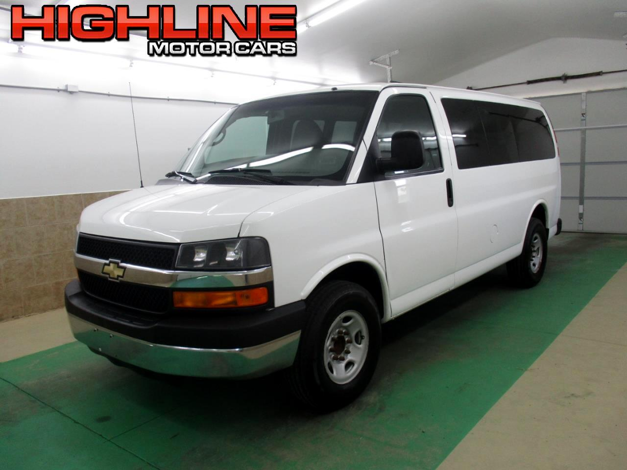 2013 Chevrolet Express Passenger RWD 3500 135