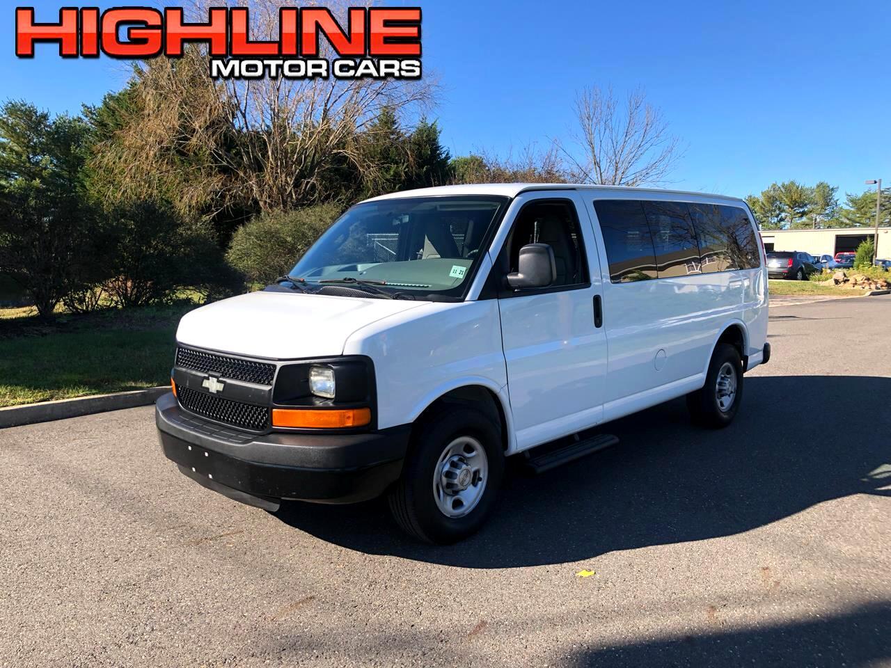 "Chevrolet Express Passenger RWD 2500 135"" LS 2016"