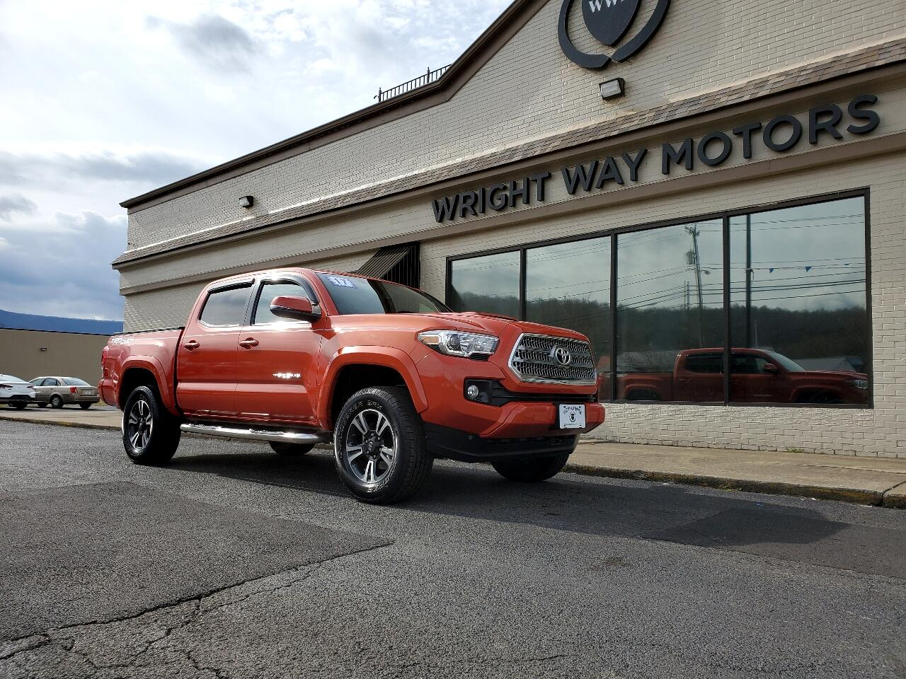 Toyota Tacoma 4WD Double Cab LB V6 AT TRD Sport (Natl) 2017