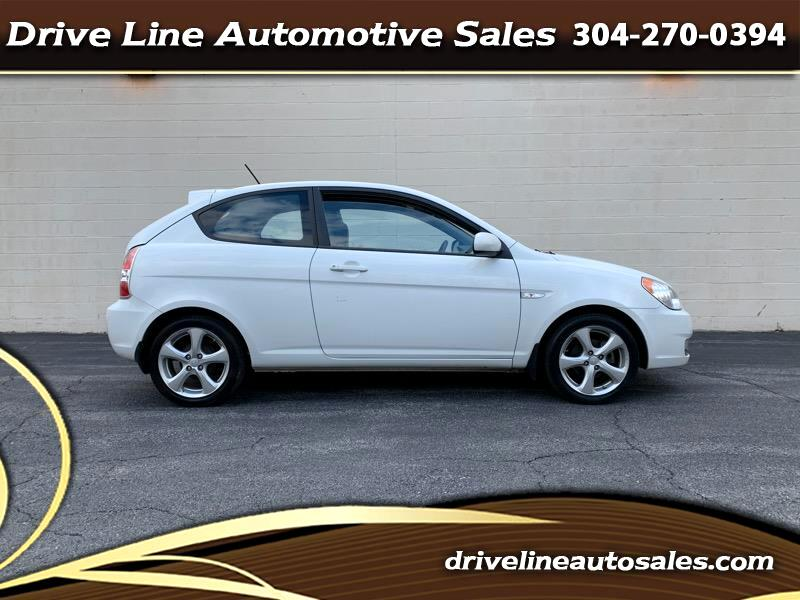 Hyundai Accent SE 3-Door 2011