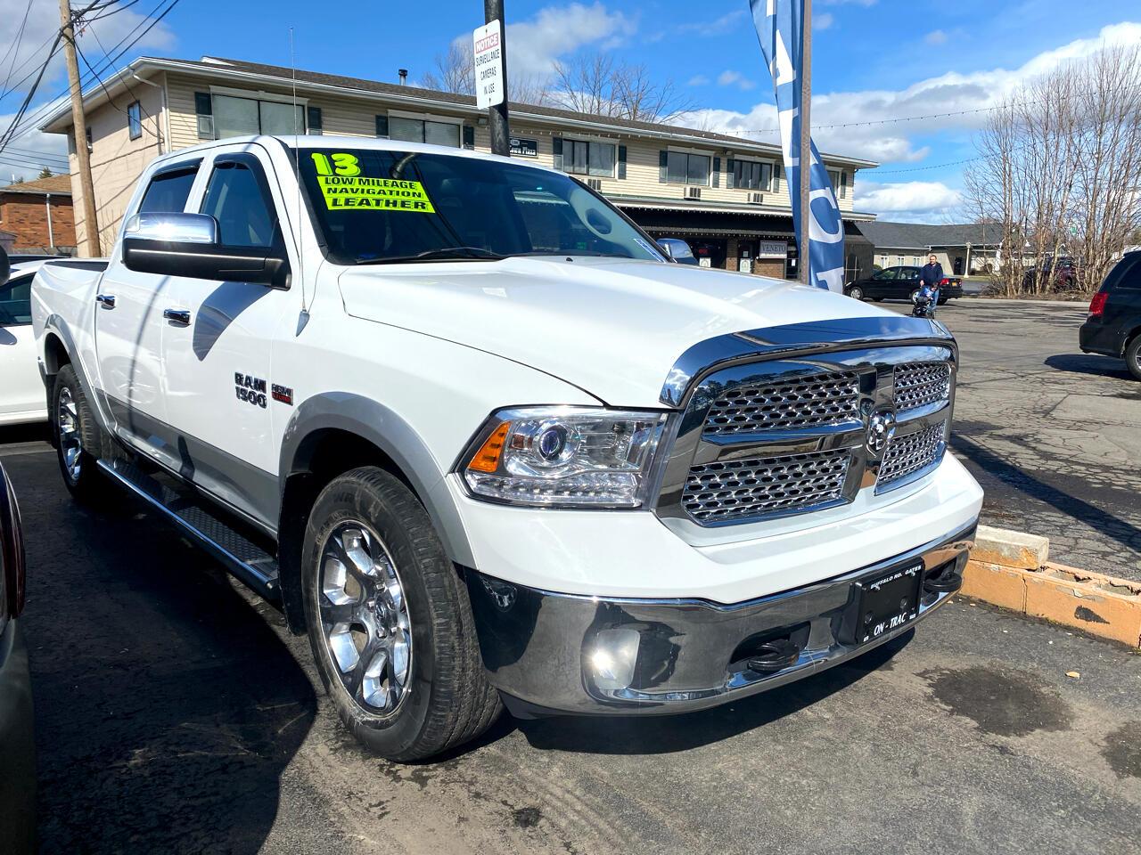 """RAM 1500 4WD Quad Cab 140.5"""" Laramie 2013"""